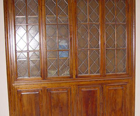 restauración de vitrina antigua
