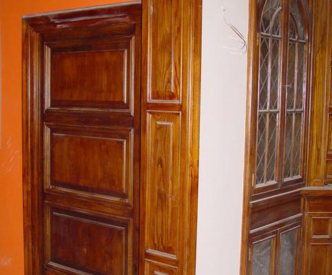 restauración de puertas y otros elementos