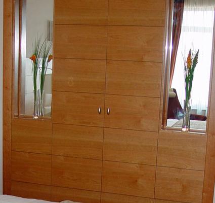 armario a medida con espejos